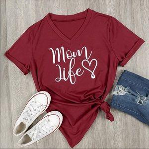Tops - Mom Life v neck red shirt